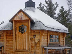 Das Grillhaus auf dem höchsten Punkt des Anwesens.