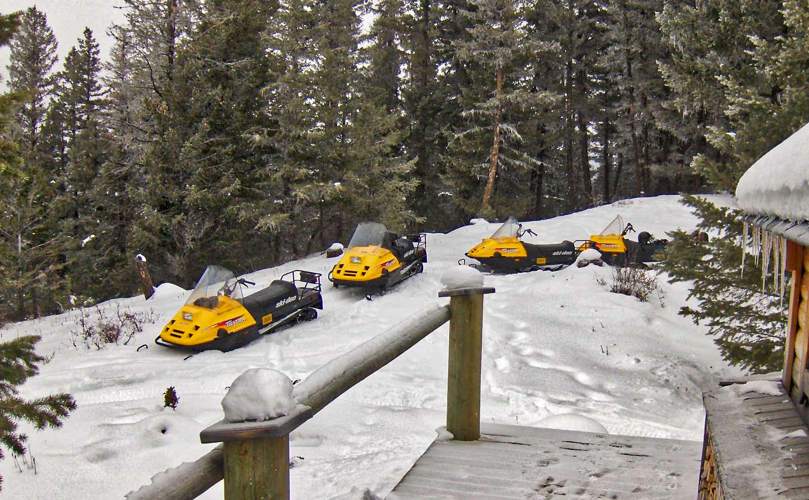 Mit dem Ski-doo in Kanada